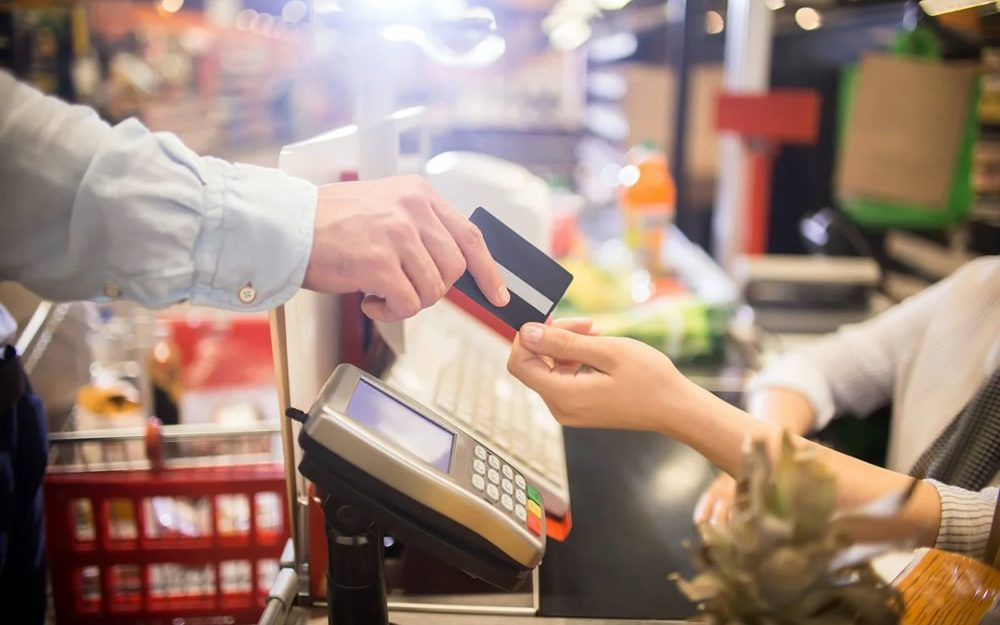 paying-for-groceries-1000x667